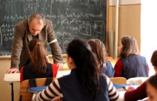 Majoritatea profesorilor sunt pentru reintroducerea uniformelor şcolare