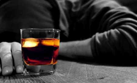 Prins la volan băut și fără permis
