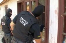 Şase descinderi domiciliare ale poliţiştilor din  Zimnicea