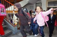 Ultimele zile de şcoală pentru elevii din învăţământul primar