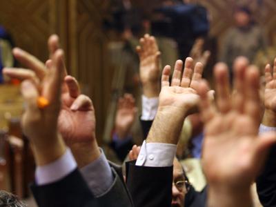 Trei deputaţi de Teleorman au votat eliminarea sporului pentru risc şi suprasolicitare neuropsihică de 50% aplicat la salariul funcţionarilor publici
