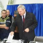 Crin Antonescu, Liviu Dragnea şi Victor Drăguşin au mers împreună la vot