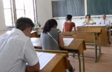 100 de absenţi şi 4 eliminaţi la prima probă scrisă din sesiunea a doua a Bacalaureatului