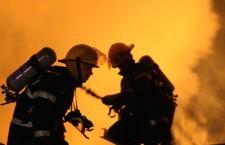 Trupul unei bătrâne, carbonizat în proporţie de 100% într-un incendiu
