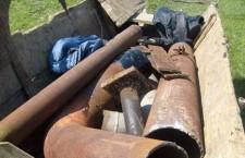 Administrator al unui centru de colectare a deşeurilor metalice, reţinut împreună cu hoţii de fier vechi