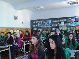 """Elevii Colegiului Naţional """"Al.D. Ghica"""" au celebrat Ziua Pământului"""