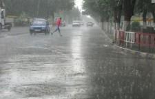 Trei zile de ploi torenţiale