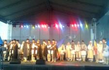 Concertele organizate în cinstea Zilei Naţionale au ţinut în frig sute de alexăndreni